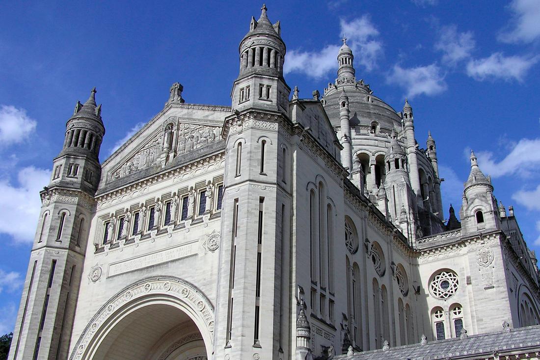 La Basílica de Santa Teresa de Lisieux