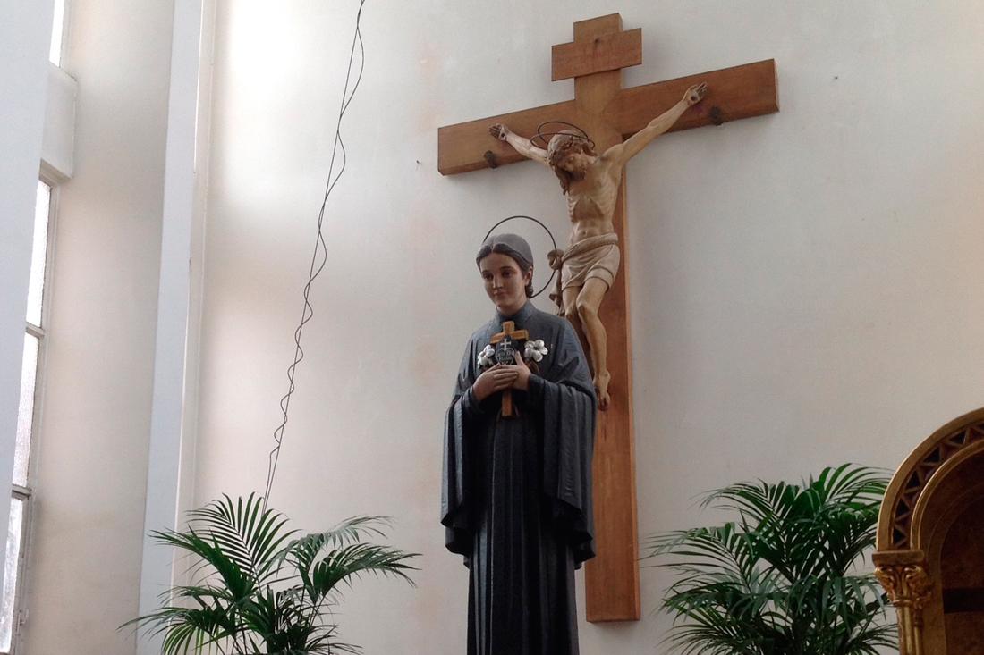 ESCULTURA SANTA GEMA (Santuario Santa Gema en Barcelona)