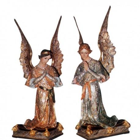 ANGELES ADORADORES