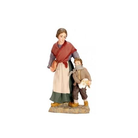 Mujer con pan y niño